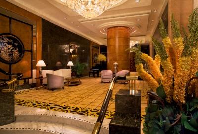 sinos-hotel-lobby